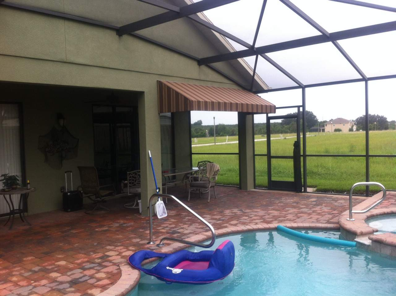 straight-line-inside-pool-cage